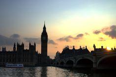 Sunset over the river Thames, Big Ben, London, United Kingdom // full photogallery on www.DR-travelblog.com