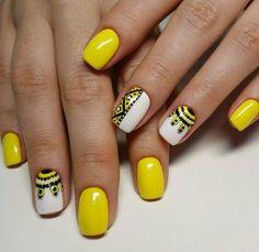 23 Yellow Nails 540x525