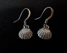 Items similar to Shell Jewelry, By La Roca, Fan Shell on Etsy