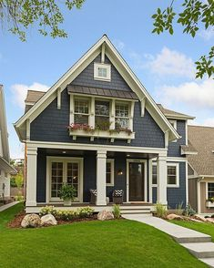 New Ideas For House Exterior Design Bungalows Craftsman Style Farmhouse Exterior Colors, House Paint Exterior, Exterior House Colors, Exterior Design, Exterior Siding, Blue Siding, Exterior Remodel, Siding Colors For Houses, Modern Exterior