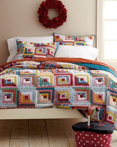 Hideaway Log Cabin Quilt and Sham .... how pretty is this ?