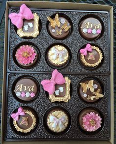 Custom Chocolate Covered Oreos by Simply Sweet by Helen #desserts #sweets #oreos
