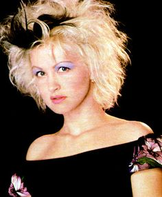 See Cyndi Lauper pictures, photo shoots, and listen online to the latest music. Cindy Lauper 80s, Cyndi Lauper, Historia Do Rock, Punk Baby, Makeup Books, Grunge Hair, 80s Fashion, Star Fashion, American Singers