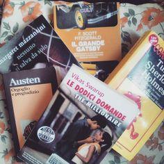 Ciao a tutti!  Oggi nel blog per la rubrica #5coseche si parla di copertine...venite a scoprire di cosa si tratta!  Link in bio.   #book #books #libro #libri #lettura #leggere #copertina #cover #janeausten #sherlockholmes #instalibro #instabook #bookslover #bookaholic #bookaddict #bookstagram #bookish #bookworms #amoreperilibri #libriovunque #amoleggere #photooftheday #photobooks #picoftheday #like #seguimi #reading #letture