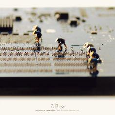 Highlights from Artist Tatsuya Tanaka's Daily Miniature Photo Project Miniature Calendar, Decoracion Vintage Chic, Miniature Photography, Colossal Art, Tiny World, Photo Projects, Japanese Artists, Design Inspiration, Painting