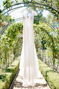 A blue and aqua + short sleeves wedding dress for a sophisticated garden wedding | Photo by Caroline Tran | Read more on sodazzling.com #gardenwedding #thailandwedding