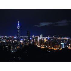 Instagram【airyukyu_u】さんの写真をピンしています。 《#台湾 #台北 #台湾旅行 #象山 #夜景 #대만 #타이베이 #대만여행 #야경 #taiwan#taipei #》