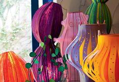 Luminárias coloridas e personalizadas, de papel e de meia-calça, da arquiteta Adriana Yazbek.