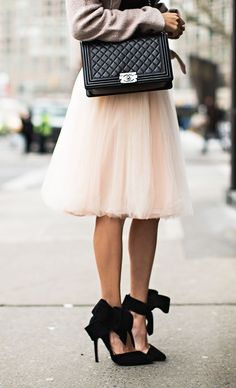 BLUSH TULLE SKIRT || BLACK CROP SWEATER || BLUSH COAT WITH FAUX FUR COLLAR || BOW HEELS || SUNGLASSES || CHANEL CROSS-BODY BAG
