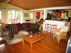 Russian River Getaways, JUJUBE pet friendly vacation rental home in MONTE RIO Sonoma County, in Northern California land of wine and redwood forests 70 miles from San Francisco