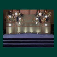 Presents a Stagebackdrop for the wedding 2019 Detail Decor Flower design ______________________________ 🙏🙏🙏 Backdrop Decorations, Wedding Flower Decorations, Flowers Decoration, Wedding Flowers, Wedding Backdrop Design, Ceremony Backdrop, Minimal Wedding, Elegant Wedding, Photowall Ideas