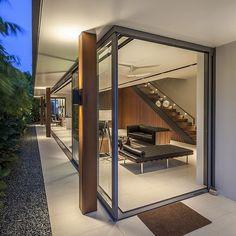 Sunny Side House by Wallflower Architecture / Serangoon, Singapore