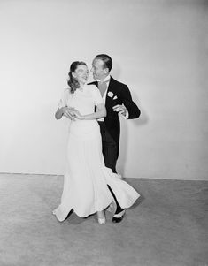 Judy Garland is stunning in it, she and Fred Astaire can't help but brighten your day with some classy scenes.