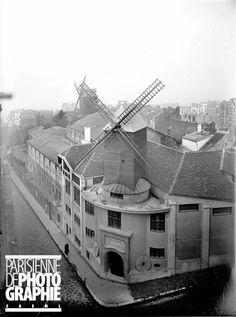 Le moulin de la Galette, 1899 | Vergue Paris Vintage, Old Paris, Montmartre Paris, Paris Pictures, Paris Photos, Paris Ville, Le Moulin, The Good Old Days, Rue De Seine