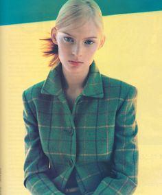 Akris, American Vogue, August Photograph by Steven Klein. 90s Fashion, Autumn Fashion, Vintage Fashion, Fashion Trends, 20th Century Fashion, 90s Outfit, Tartan, Plaid, Supermodels