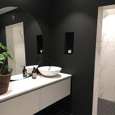 286 mentions J'aime, 25 commentaires - Modern Home Bathroom Inspo, Scandinavian Modern, Mirror, Modern Bathrooms, Furniture, Instagram, Home Decor, Videos, Photos