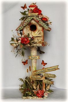 Ideas Bird Houses Ideas Decoration Beautiful For 2019 Wood Crafts, Diy And Crafts, Paper Crafts, Chipboard Crafts, Altered Boxes, Altered Art, Christmas Crafts, Christmas Decorations, Christmas Ornaments