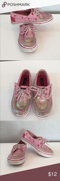 Girls Pink Sequin SPERRY Top-Sider Loafers 9.5 These are gently used so much more life in them. Just need a little scrub. The top of the shoe is velcro so it's easy to slip on and off and not annoy you toddler. Perfect for spring/summer time Sperry Shoes Moccasins