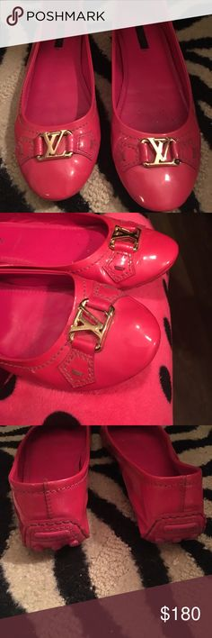 Louis Vuitton oxford pink flat Louis Vuitton oxford flat pink made in Italy. Very good condition Louis Vuitton Shoes