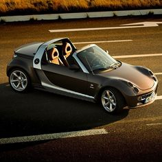 One early #carphotography attempt and still #proud of it: #fall 2006 with my then #brandnew #smart #roadster #collectors #edition - only about 50 #revamped #brabus #xclusive 101#horsepower #edition cars received this #mattebrown #finish #with #brown #nappa #leather #interior - #love at first sight! Greets all the #best to its current owner @mbaiti #mbcars #mbcar #instacar #mini #mopar