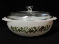 Antique Kitchen Set Ideas make Cooking Activities more Spirit - JustHomeIdeas Vintage Bowls, Vintage Kitchenware, Vintage Dishes, Vintage Glassware, Vintage Pyrex, Glass Kitchen, Kitchen Sets, Rare Pyrex, Pyrex Bowls