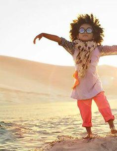 Viver é acalentar sonhos e esperanças , fazendo da fé a nossa inspiração maior. É buscar nas pequenas coisas um grande motivo para ser feliz. Mario Quintana https://www.facebook.com/pages/Enquanto-houver-sol/255590874593300