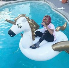 #lilpump#rapper#unicorn#pool