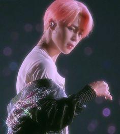 K Pop, Bts Jungkook, Taehyung, Sparkle Wallpaper, Bts Wallpaper, Foto Jimin, 90s Aesthetic, Bts Aesthetic Pictures, Bts Korea