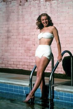 Tumblr Young Marilyn Monroe, Marylin Monroe, Hollywood Stars, Old Hollywood, Most Beautiful Women, Beautiful People, Retro Vintage, Imperfection Is Beauty, Norma Jeane