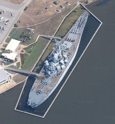 The WWII battleship USS Alabama - now a museum in Mobile, Alabama. Naval History, Military History, Uss Alabama, Us Battleships, Go Navy, Us Navy Ships, Military Weapons, Military Jets, United States Navy