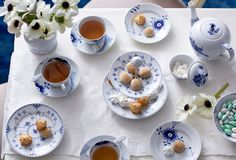 A Classic Setting: Tableware in Blue & White