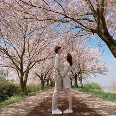 Japanese Couple, Korean Couple, Best Couple, Korean Wedding Photography, Couple Photography, Photography Poses, Wedding Photography Packages, Kpop Couples, Muslim Couples