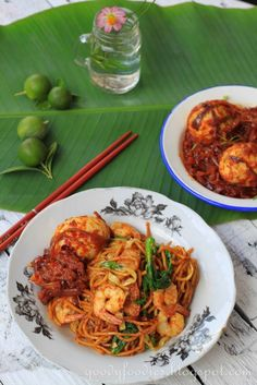GoodyFoodies: Recipe: Mee Goreng (Malay-style fried yellow noodles)