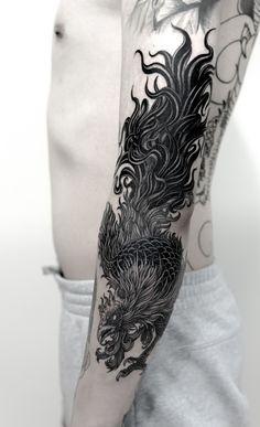 rooster tattoo by sagaegrim (Korea) Hahn Tattoo, Rooster Tattoo, Samurai Tattoo, Ink Art, Phoenix, Tatting, Tattoo Designs, Korea, Hands