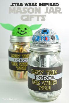 R2D2 and Yoda Mason Jar Craft Idea by Club Chica Circle.