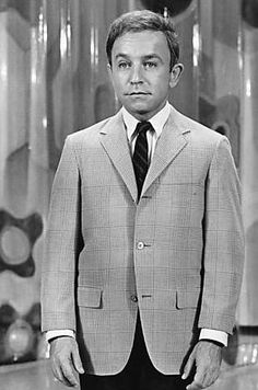 Henry Gibson was an American actor, singer and songwriter, best known as a cast member of Rowan & Martin's Laugh-In Born: September 21, 1935, Germantown, Philadelphia, PA Died: September 14, 2009, Malibu, CA Spouse: Lois Gibson (m. 1966–2007) Children: Charles Gibson, Jonathan David Gibson, James Gibson
