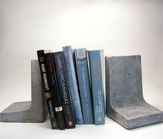 Concrete Bookends | Concrete product design | Concrete | Interior | Inspiration | design | Beton design | Betonlook | www.eurocol.com