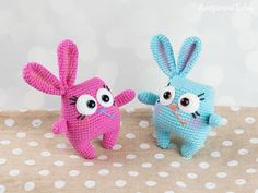 Ridiculously Cute Easter Bunny Amigurumi … Yup, There's a Pattern, It's FREE! Find it on Amigurumi Today. Easter Crochet, Crochet Bunny, Cute Crochet, Crochet Patterns Amigurumi, Amigurumi Doll, Crochet Dolls, Cute Easter Bunny, Easy Crochet Projects, Stuffed Toys Patterns