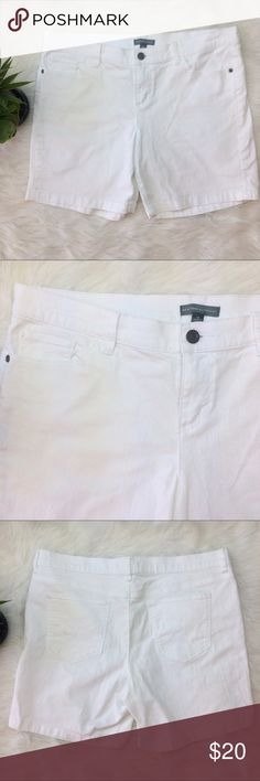 "New York & Co. Long White Jean Shorts New York & Co. white Jean Shorts. Size 12. 99% cotton • 1% spandex. Waist is 18 3/4"" across. Inseam is 6.5"". New York & Company Shorts"