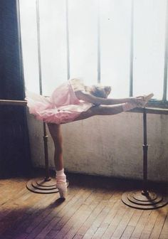 Ballerina photo j95_tumblr_mb36eozcvl1qcf955o1_500.jpg