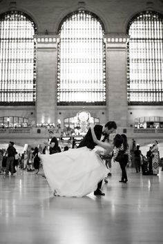 Manhattan brides: We're giving away a free engagement photo shoot session with the lovely Craig Paulson Photography!  http://www.stylemepretty.com/tri-state-weddings/2016/09/12/win-a-free-engagement-session-from-craig-paulson-photography/ #sponsored