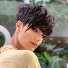 Pixie Haircut Styles, Short Pixie Haircuts, Pixie Hairstyles, Straight Hairstyles, Short Curly Hair, Short Hair Cuts, Curly Hair Styles, Edgy Short Hair, Edgy Pixie