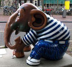 'Simon,' created by Ekkawin Mahaek -   Elephant Parade in Amsterdam, The Netherlands, 2009;  photo by Rick & Bart, via Flickr