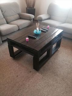 Wood Pallet Coffee Table with Casters