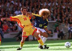 Carlos Valderrama holding off Gheorghe Hagi in USA '94