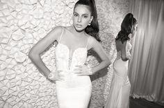 Elihav Sasson propone una colección de vestidos de novia atractivos y con mucho estilo.