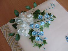 kytička s ružami