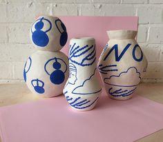 Royal blue and white ceramic vases Ceramic Clay, Ceramic Pottery, Keramik Design, Pottery Sculpture, Clay Pots, White Ceramics, Arts And Crafts, Decoration, Artsy