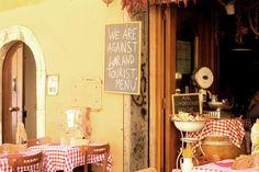 typical italian restaurant in rome, trattoria, rome restaurant, ristorante trastevere