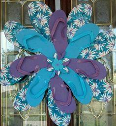Colorful Flip Flop Wreath - cute idea for summer decoration
